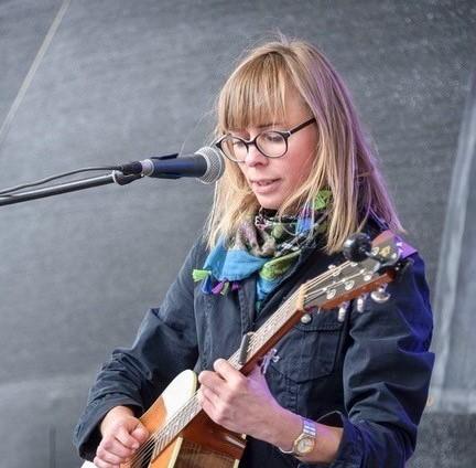 Klientenstimmen: Julia Mariana Schnaidt, Singer-Songwriter